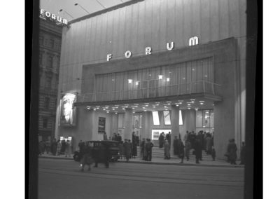 Forum Kino, exterior 1950, opening