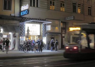Votiv Kino, exterior